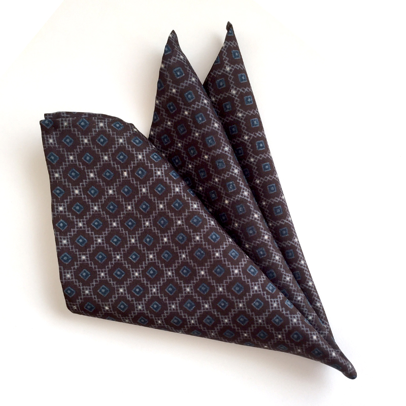Hishigoushi lattice pattern pocket square