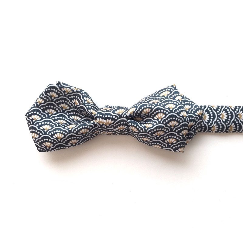 Pine tree waves bow tie